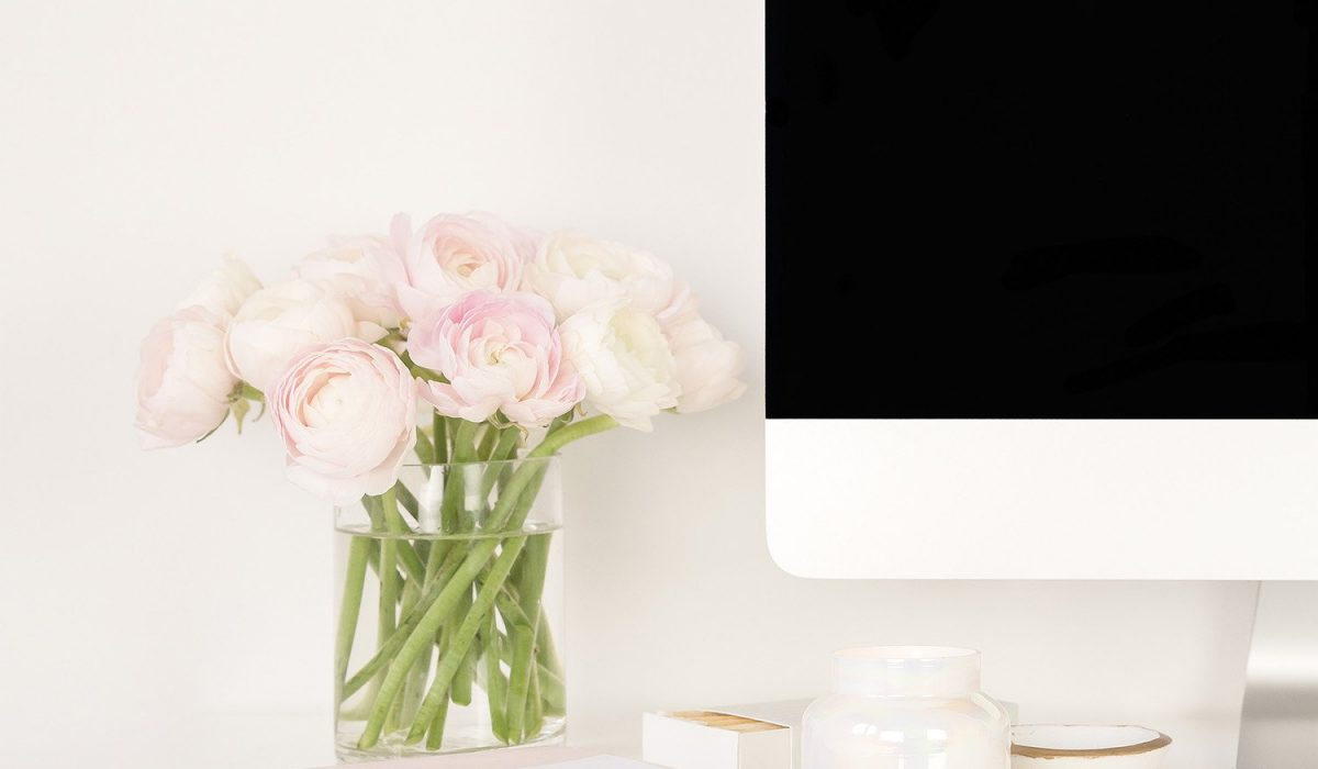 SSS-Pink Flowers on Desk w_Monitor